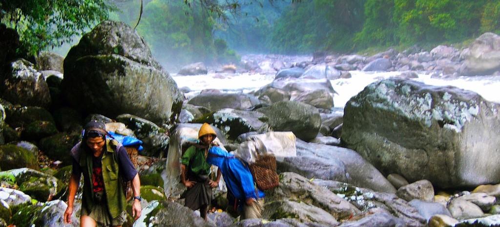 myanmar mountain trekking