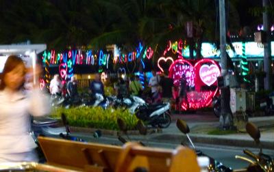 pattaya beach road view (1)