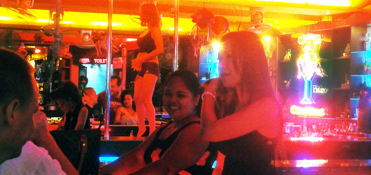 pattaya girly bar at walking street