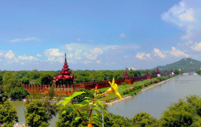 Mandalay palace wall and moat (2)