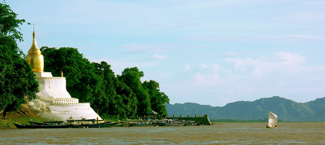 Irrawaddy River Tour at Bagan