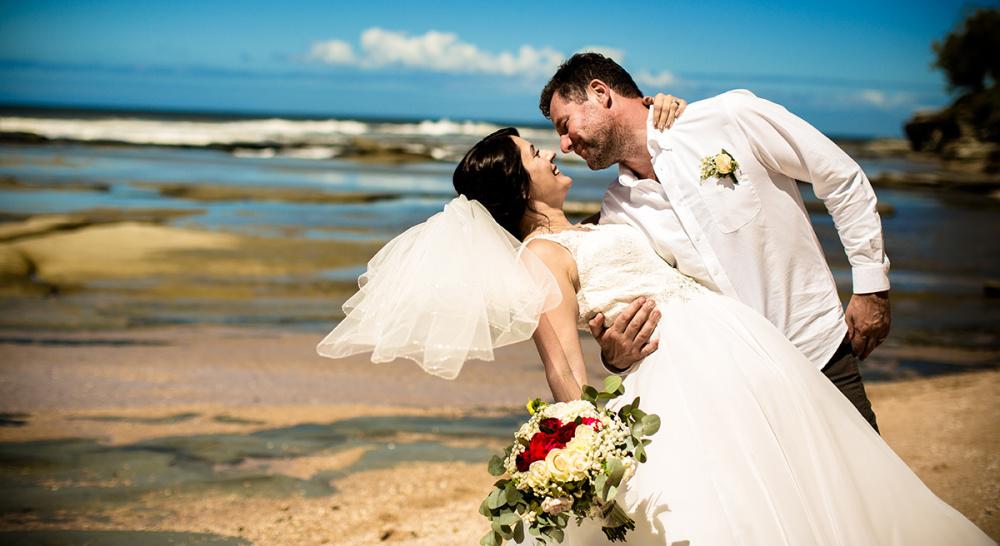 Jeremy & Karen   Bulcock Beach   Sunshine Coast Wedding Photography