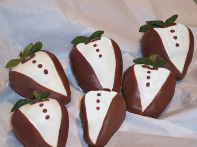 Tuxedo Chocolate covered Strawberries