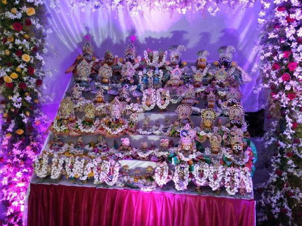Jagannath-Baladev-Subadramayi-Sudarshan & Gauranga-Nityananda