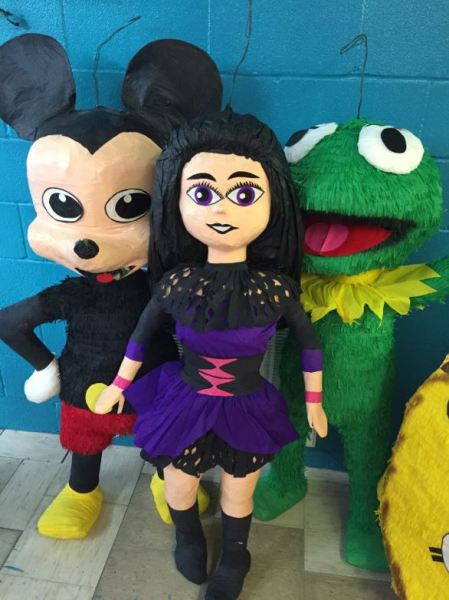 Spectra Monsters High Pinata