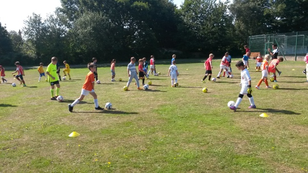ABC Soccer School - Individual Skills and Creativity in a Group