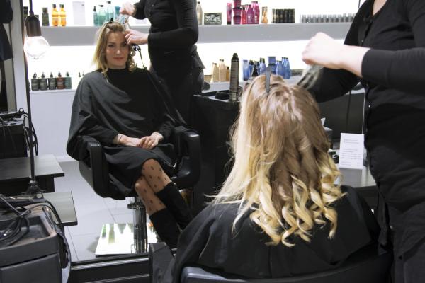 Helsingin paras kampaamo - Piece of Hair by Redken Helsinki Citycenter Makkaratalo