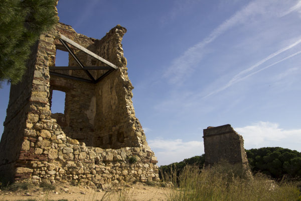 exploring barcelona and its surroundings - art escape barcelona - vacation retreat