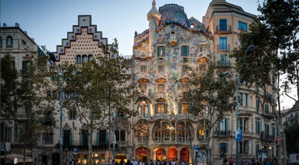Barcelona BnB, Hotel Barcelona, House rental Barcelona, Gaudi Architecture Barcelona