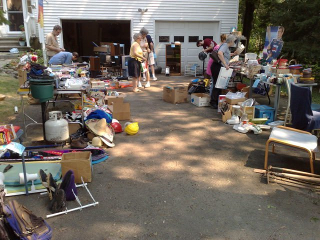 garage sale  yard sale