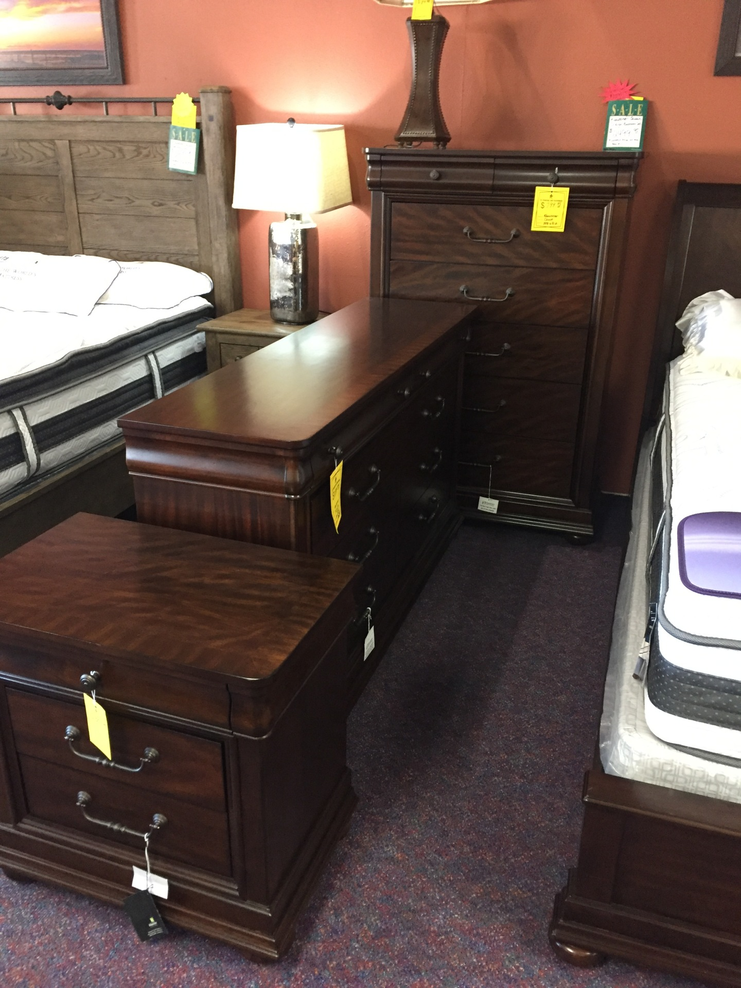 Ashley Queen 5 pcs Bedroom Set WAS $3100.00 NOW $2100.00