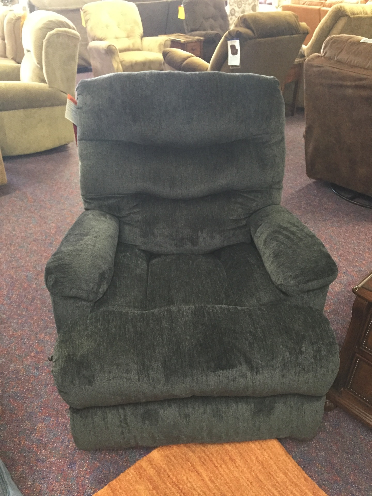 Lane Recliner- $579.95 NOW ONLY $495.00