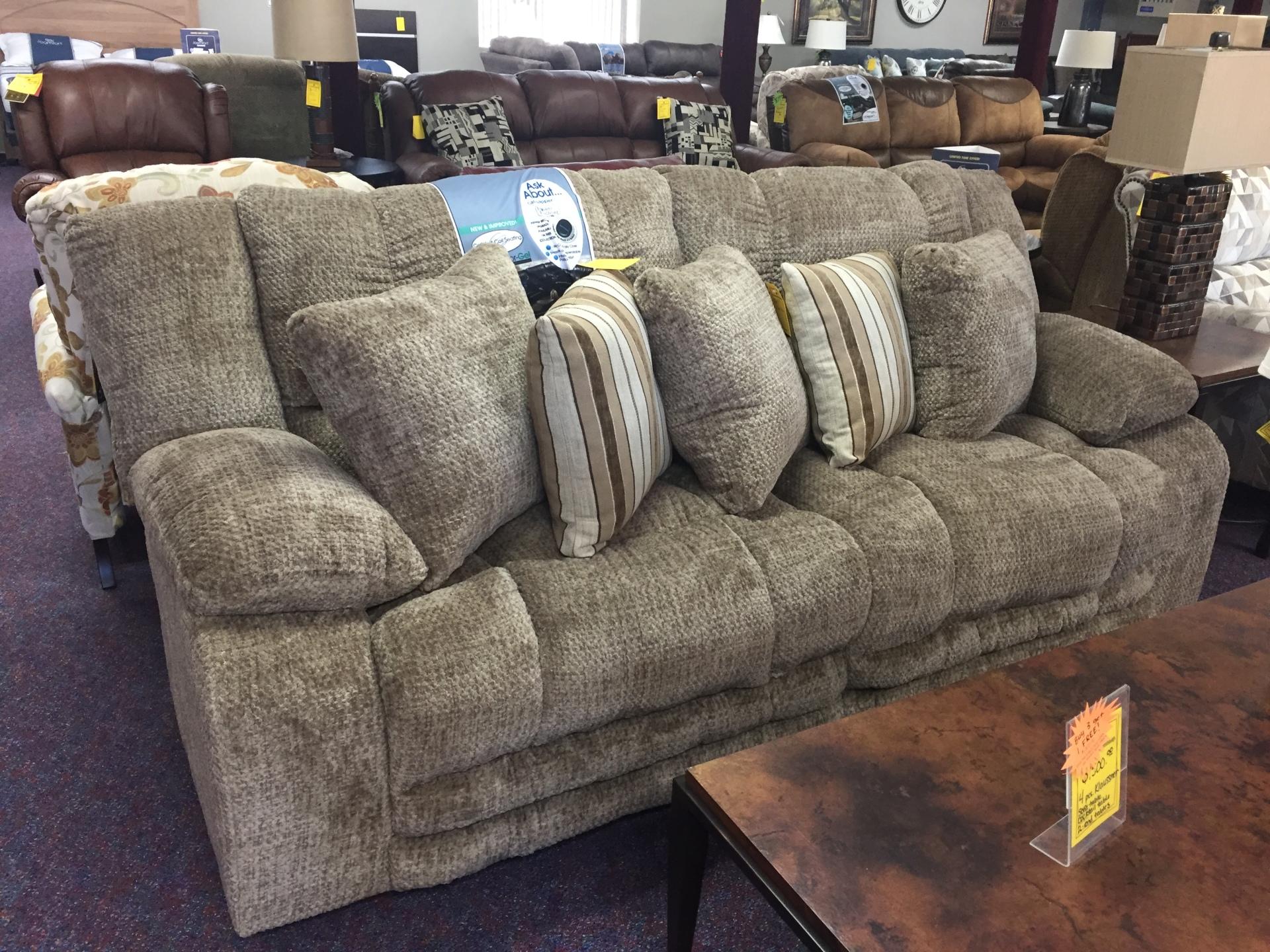 Catnapper Branson Reclining Sofa- $999.95