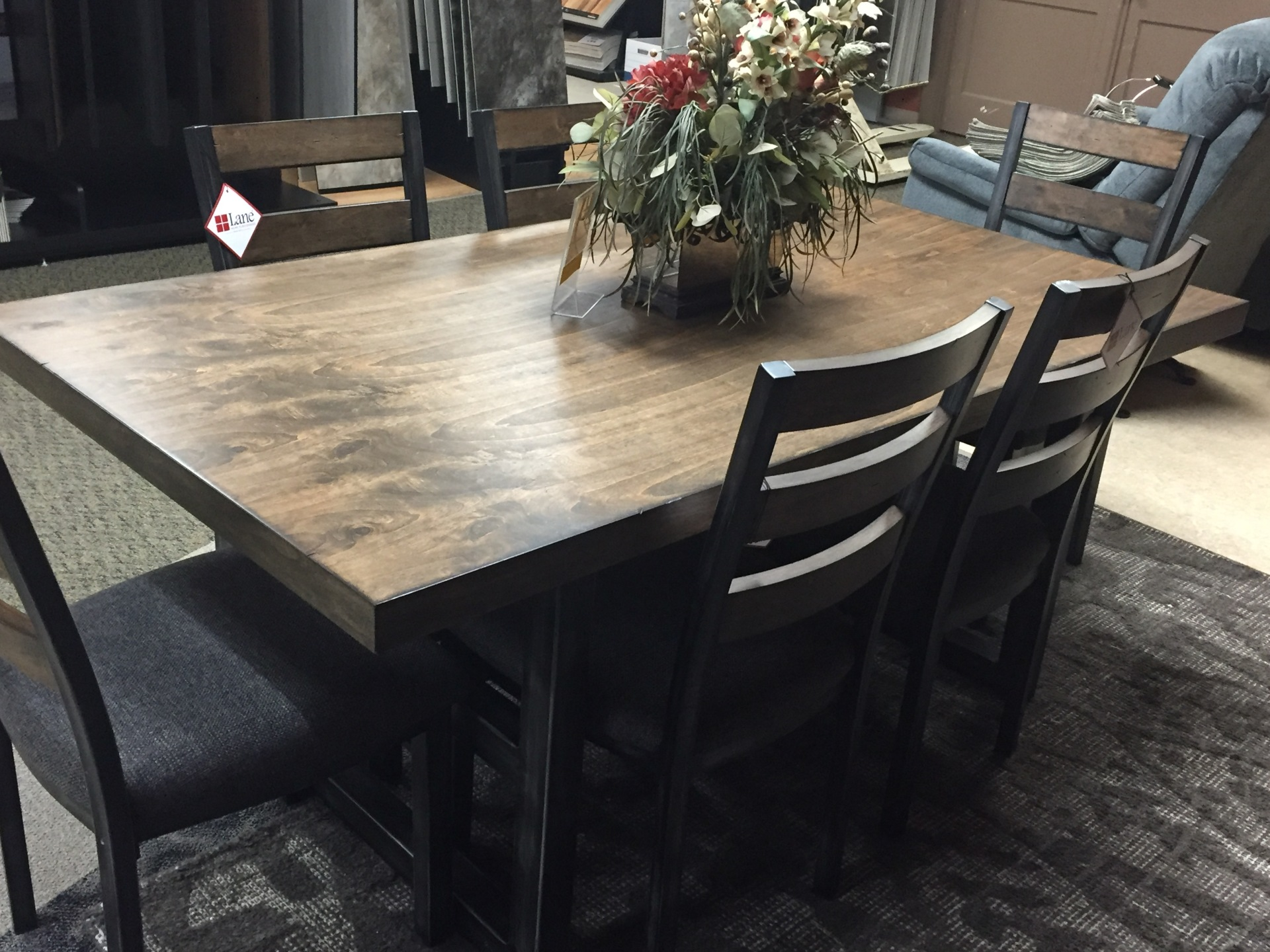 Lane Dining set w/ 6 chairs-