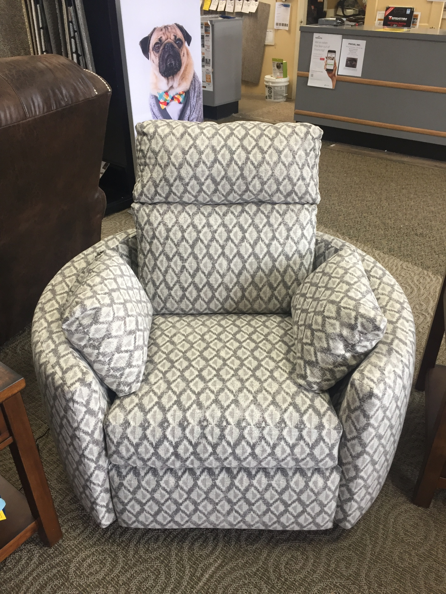KLAUSSNER BARREL CHAIR POWER