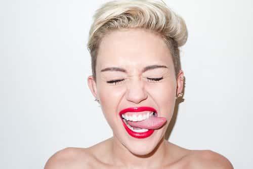 Miley Cyrus muy esquiva en cuestión de compromisos
