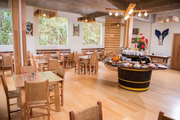 Restaurante e café-da-manhã Adoro Hotel