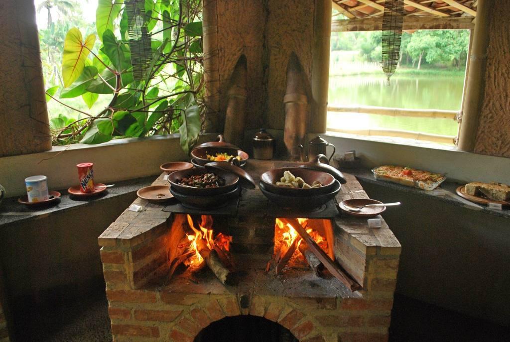 No forno à lenha suas refeições terão um sabor especial!