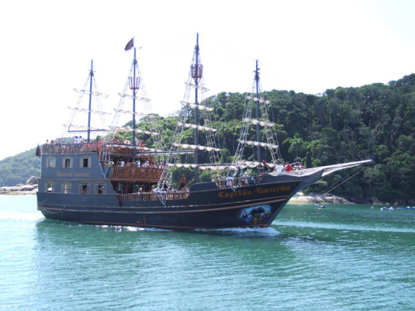 Barco Pirata - Miramar Hotel - Balneario Camboriu