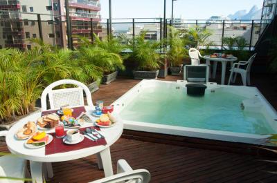 Piscina - Hotel Cristal Palace - Rio de Janeiro