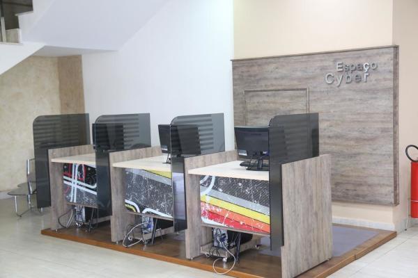 Hotel em Porto Velho - Sala de computação - Larison Hotéis