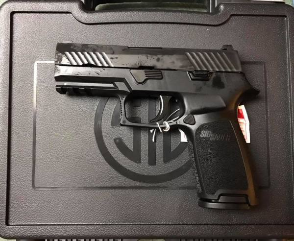Sig Sauer P320 Carry with night sights  $565 cash, tax included