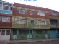 se Vende casa en el barrio San Jose con 2 aptos independientes y local de 70m2