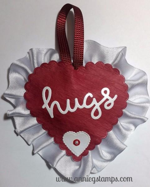 Hugs Wall Decor