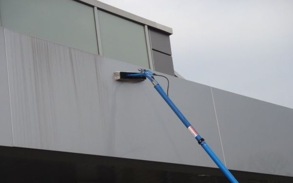 sign cleaning