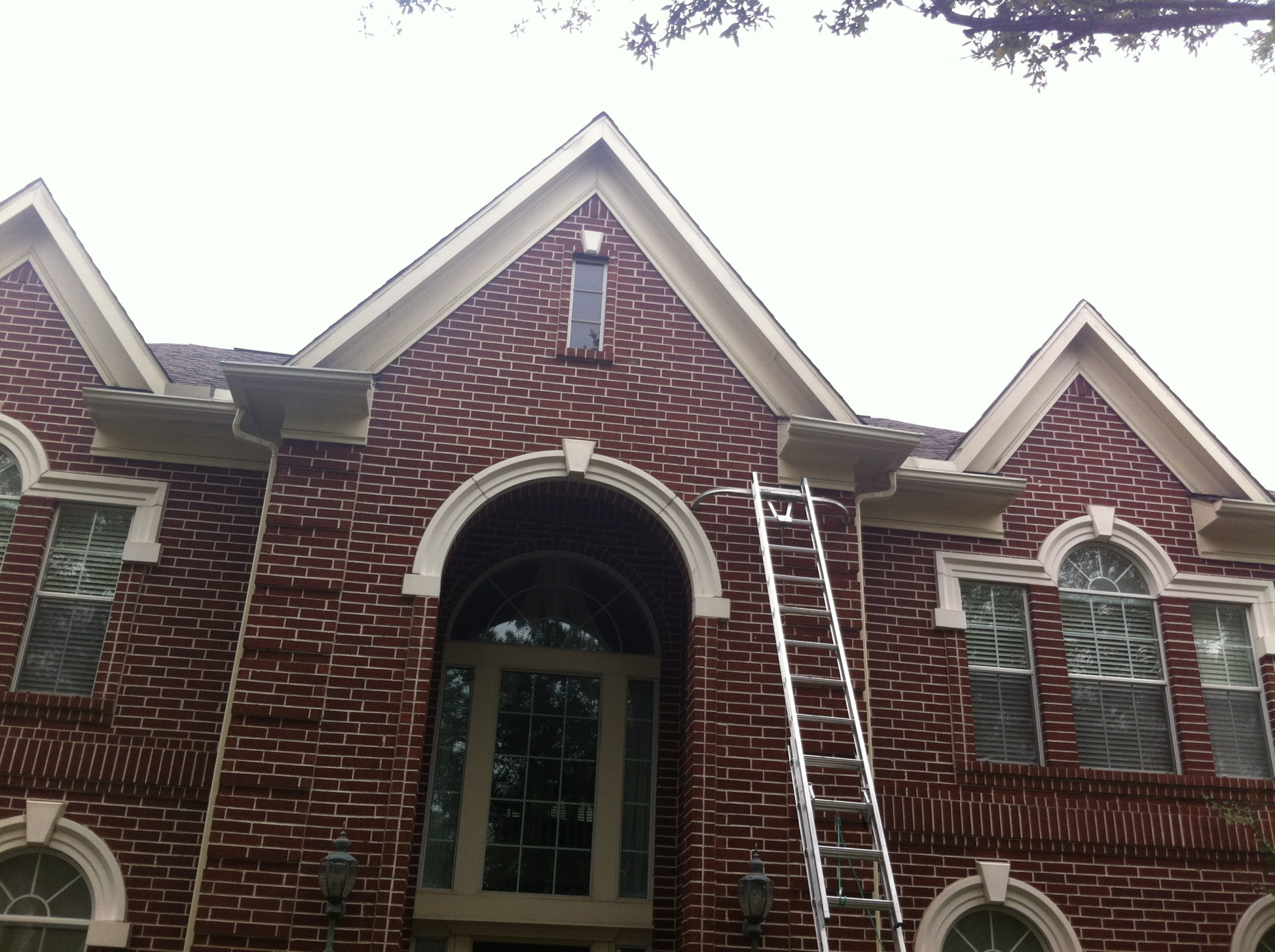 CUSTOM GUTTERS MADE SPECIFICALLY FOR YOUR HOME