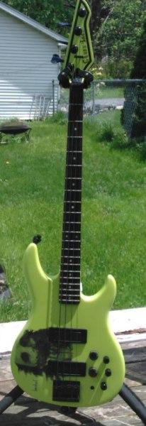 custom guitar,guitar,electric guitar,chaos guitars,heavy metal,jackson,bc rich,ibanez,dean,chaos inc,fender,gibson,esp,ltd,music,rock,hardcore,thrash,floyd rose,custom paint,set ups,electronics,guitar builder,luthier