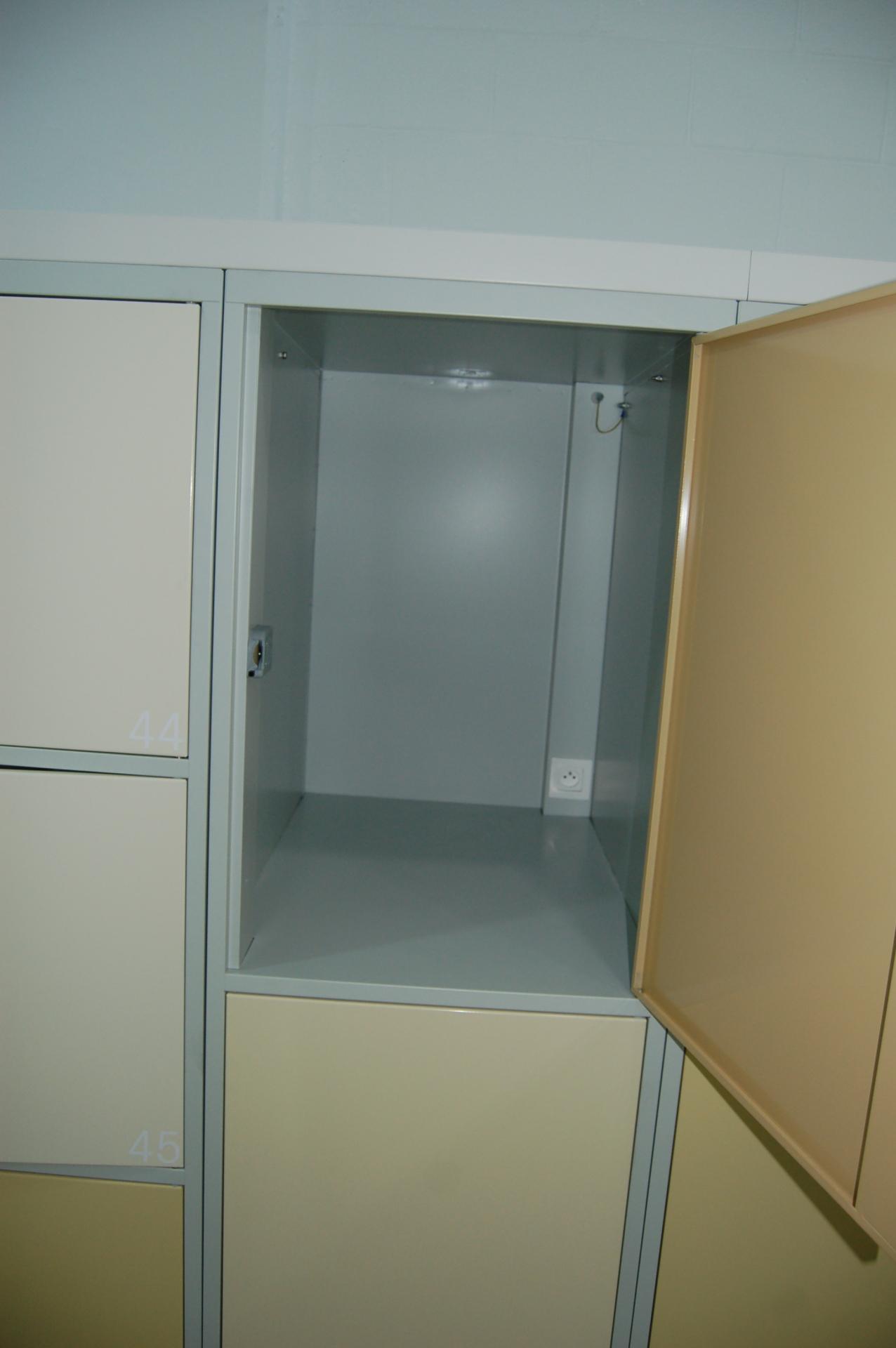 Large Lockers with Plug