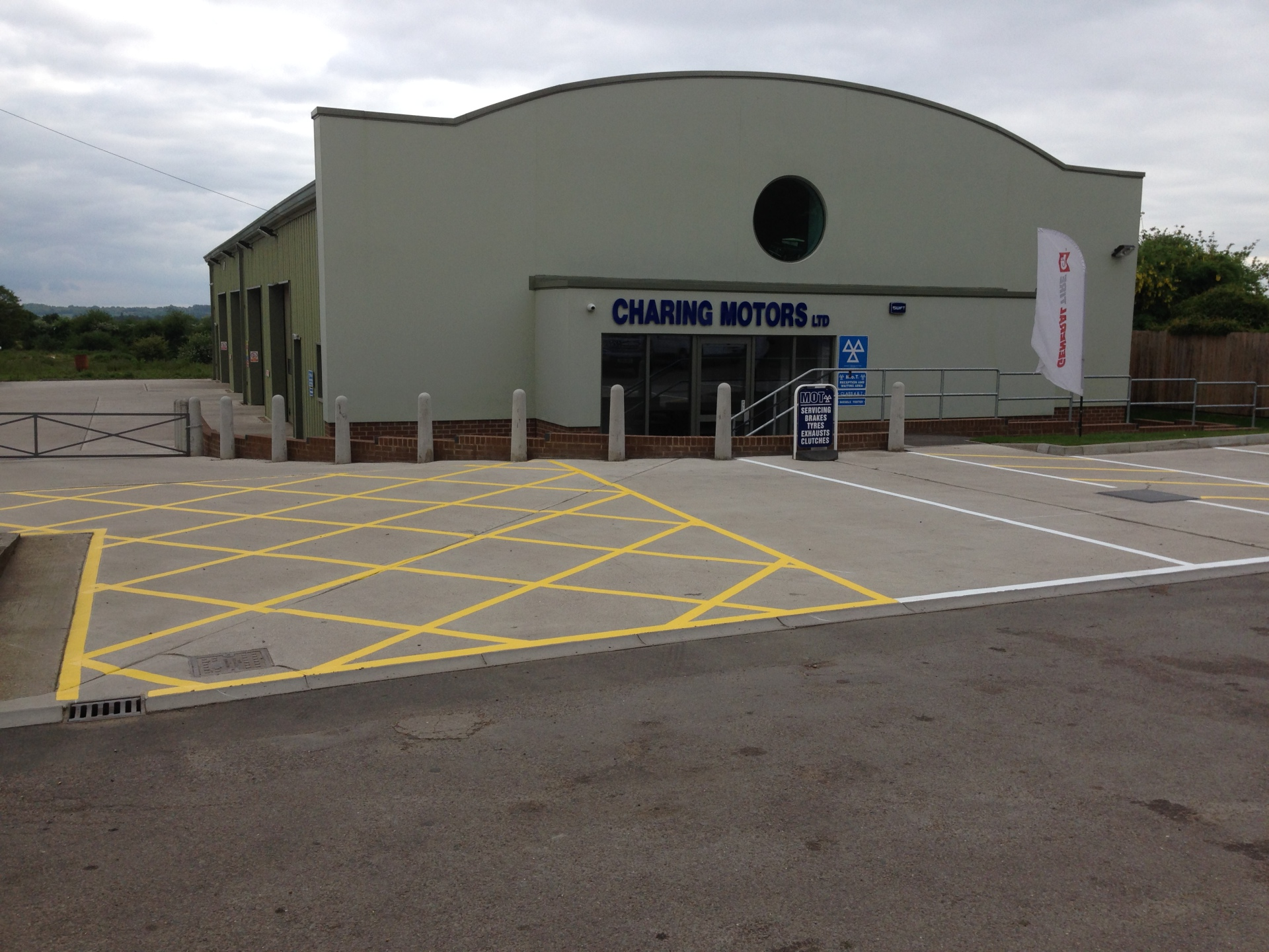 Car parking markings - Ashford, Kent (After)