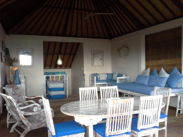 Villa Rumah Kami - Dining Area