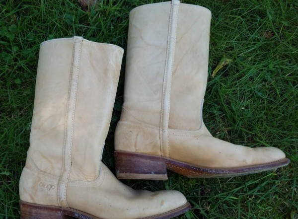 Dingo Boots Right Side  Size 11.5