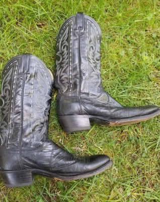 Western Boots Right side  Size 10