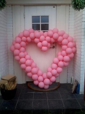 Ballongdekorert hjerteform til valentines day