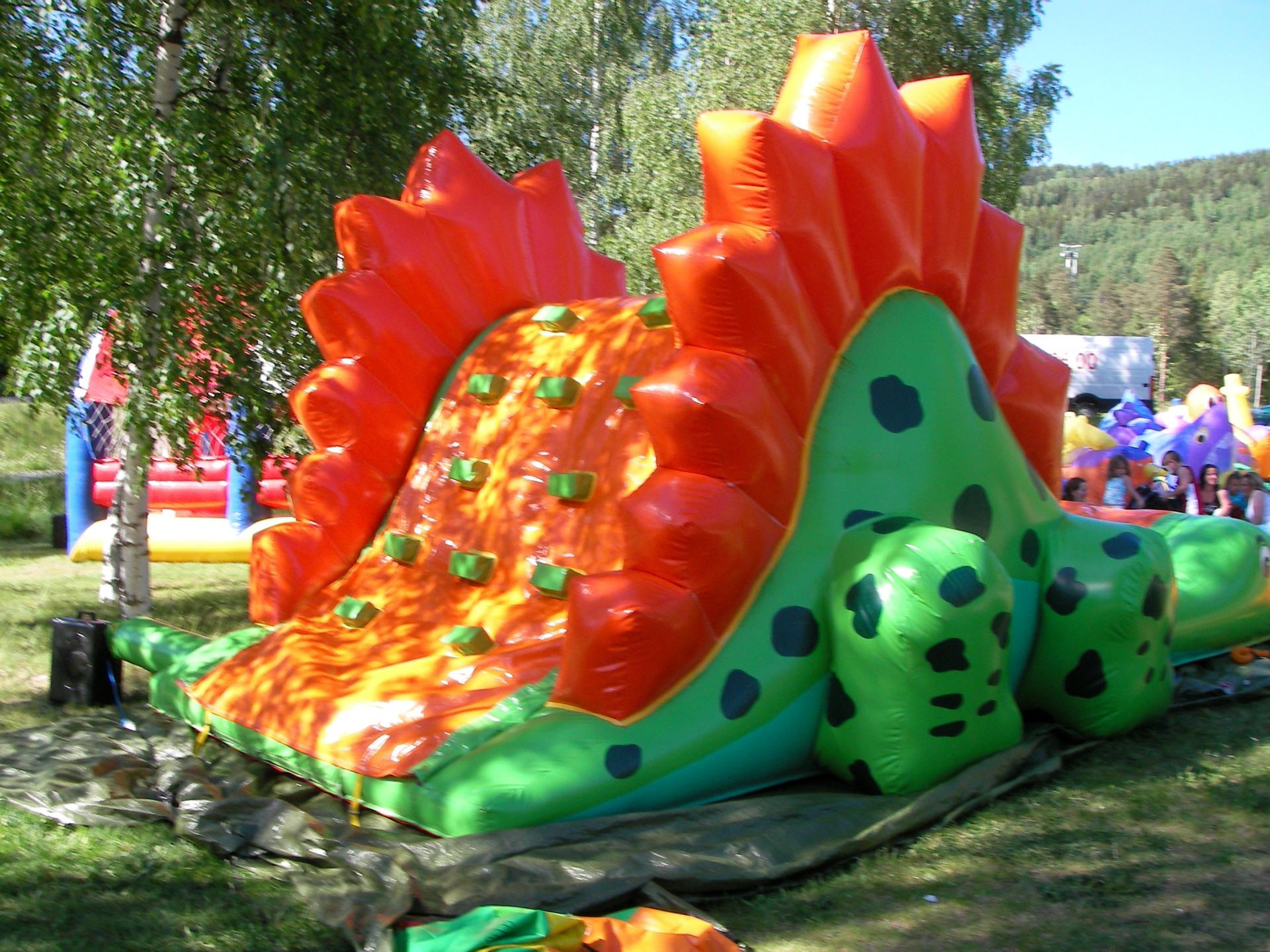 Dino hoppesklie