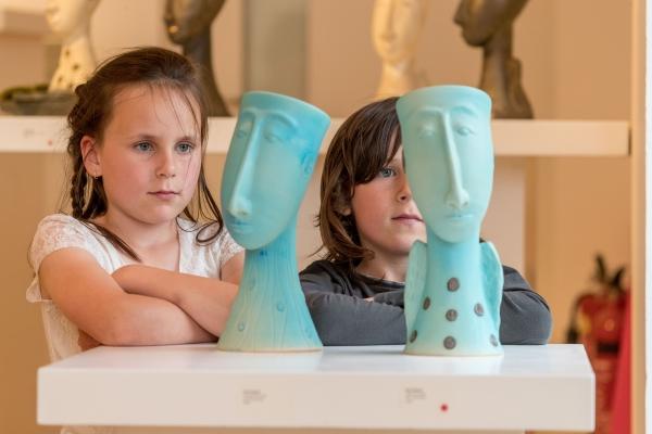 Children with work by Éva Kaszás