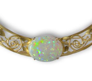 Erwin Springbrunn 18 carat gold neckpiece with Opal