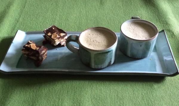 Caroline Dolan: Espresso cups and tray