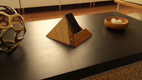 Pyramid Holder