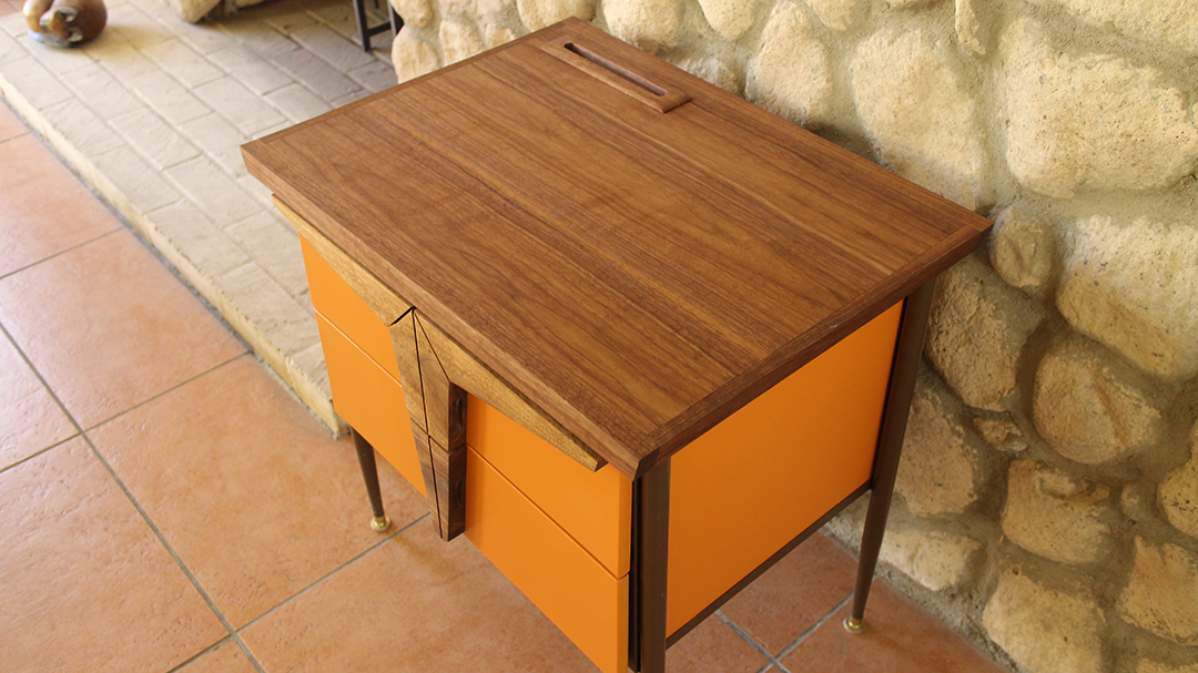 #midcenturyfurniture, #nightstand,#endtable,#walnut,#build,#woodworks