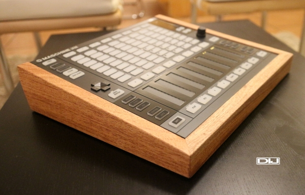 Maschine Jam wood enclosure