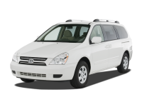 roomy seven passenger taxi vans