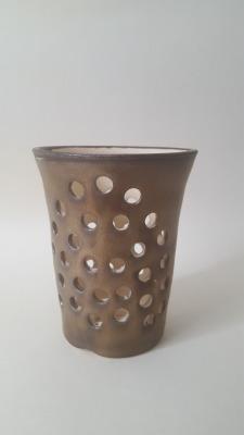 Gold v shaped tealight holder