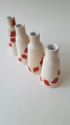 Red leaf vases