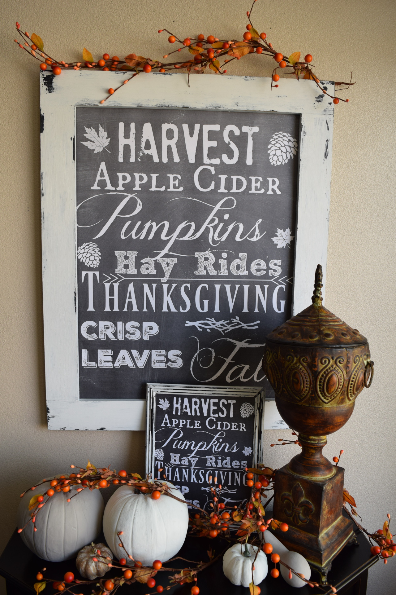Fall chalkboard sign/print...for easy fall decorating