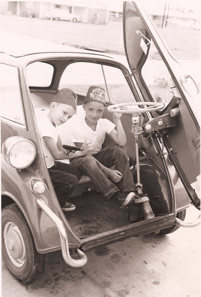 Randy and Pat in Uncle By's Isetta