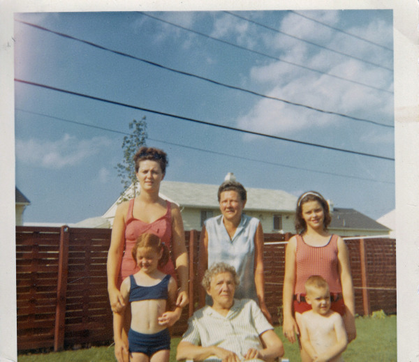 Donna, Nana, Kim, Tracy, Great-Grandma Becker and Todd